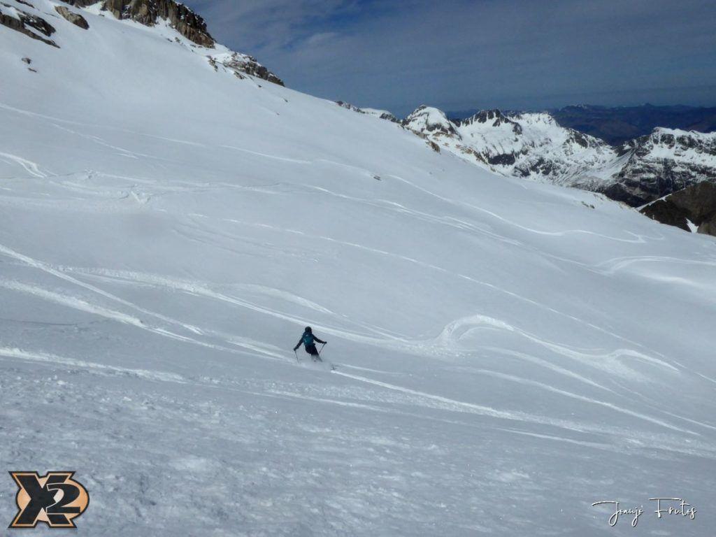 P1380633 1024x768 - Maladeta con nieve polvo.