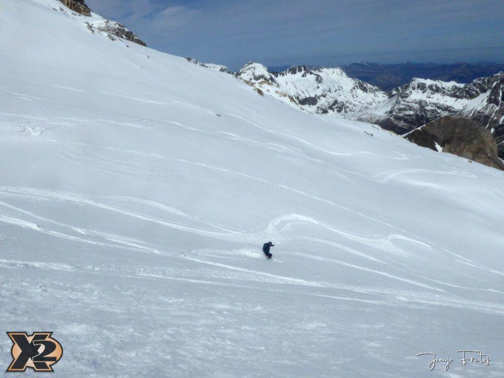 P1380634 1024x768 - Maladeta con nieve polvo.