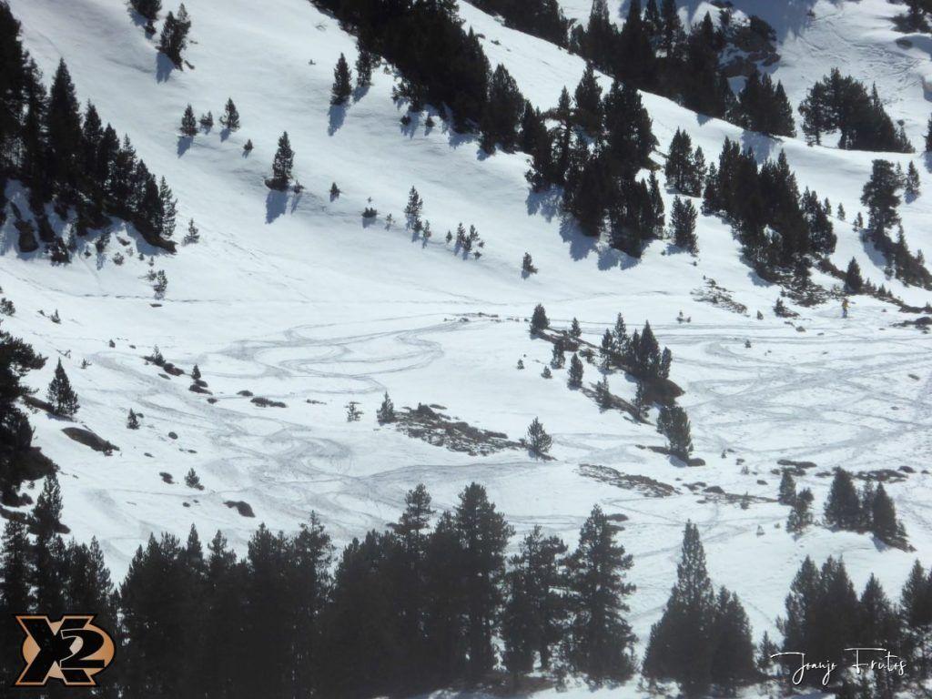 P1380644 1024x768 - Maladeta con nieve polvo.
