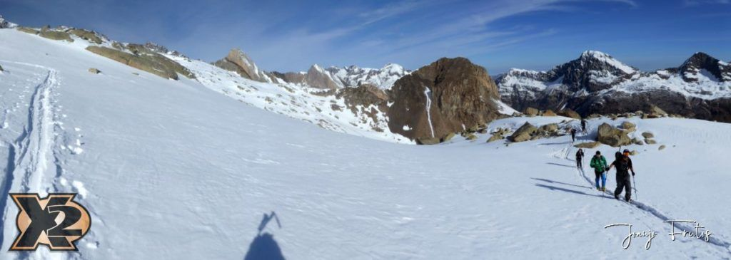 Panorama 1 1 1024x365 - Maladeta con nieve polvo.