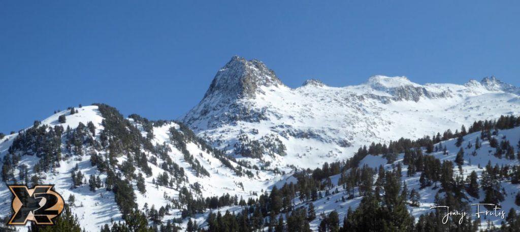 Panorama 3 1 1024x458 - Maladeta con nieve polvo.
