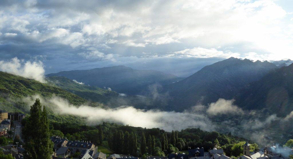 Panorama 1 1024x557 - Verbena con picos nevados